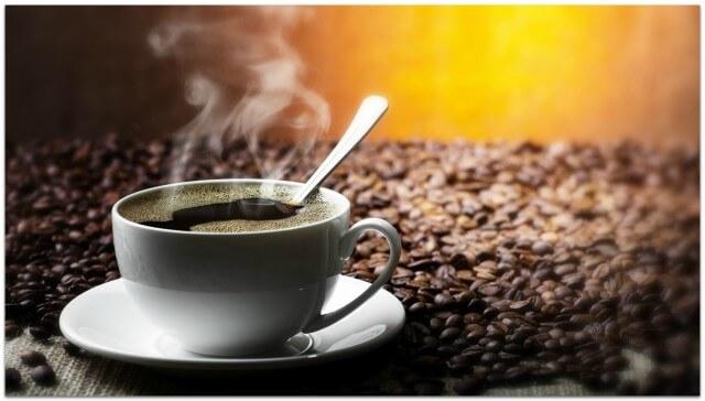 кружка ароматного кофе